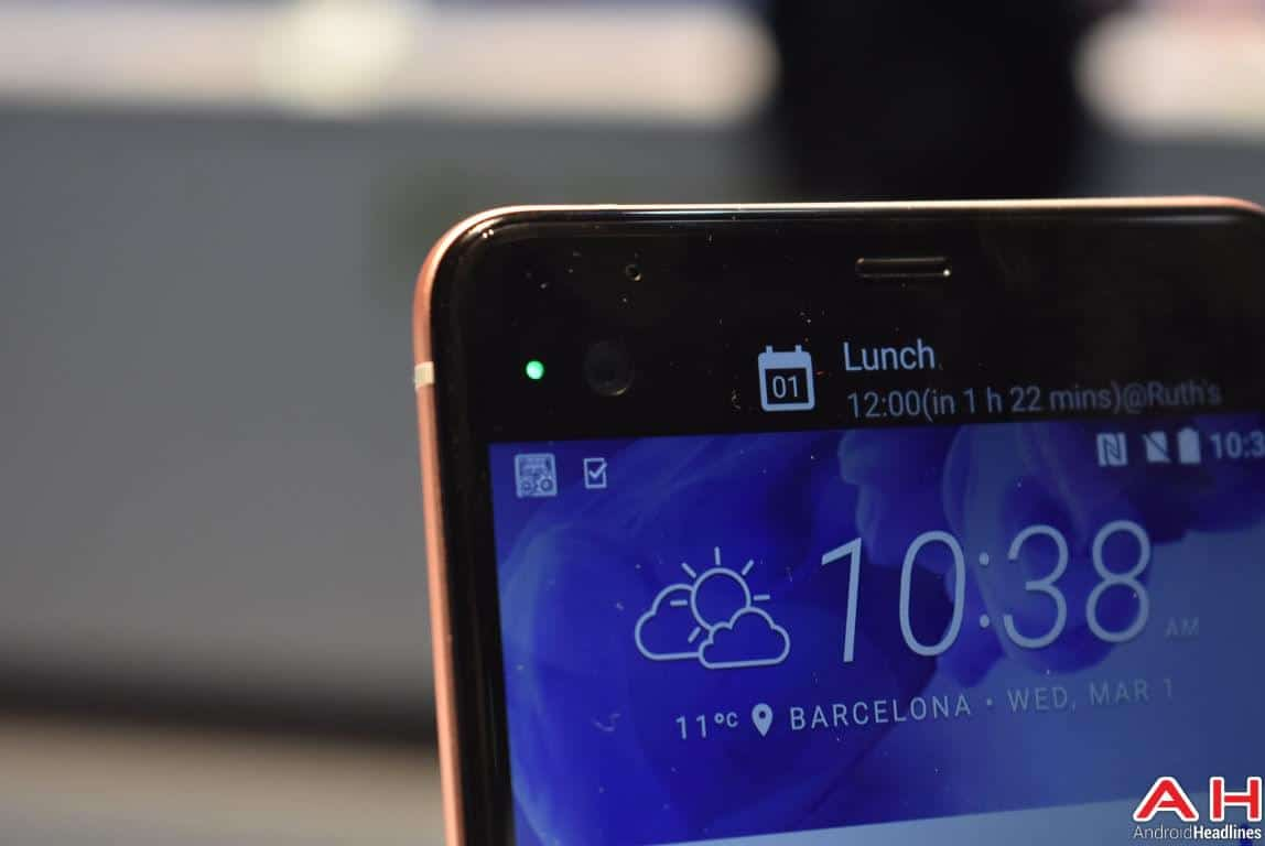 HTC U Ultra Hands On AH 3