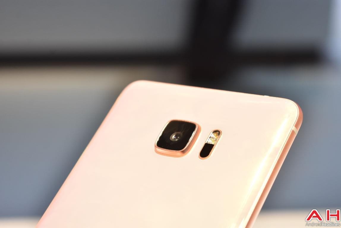 HTC U Ultra Hands On AH 6