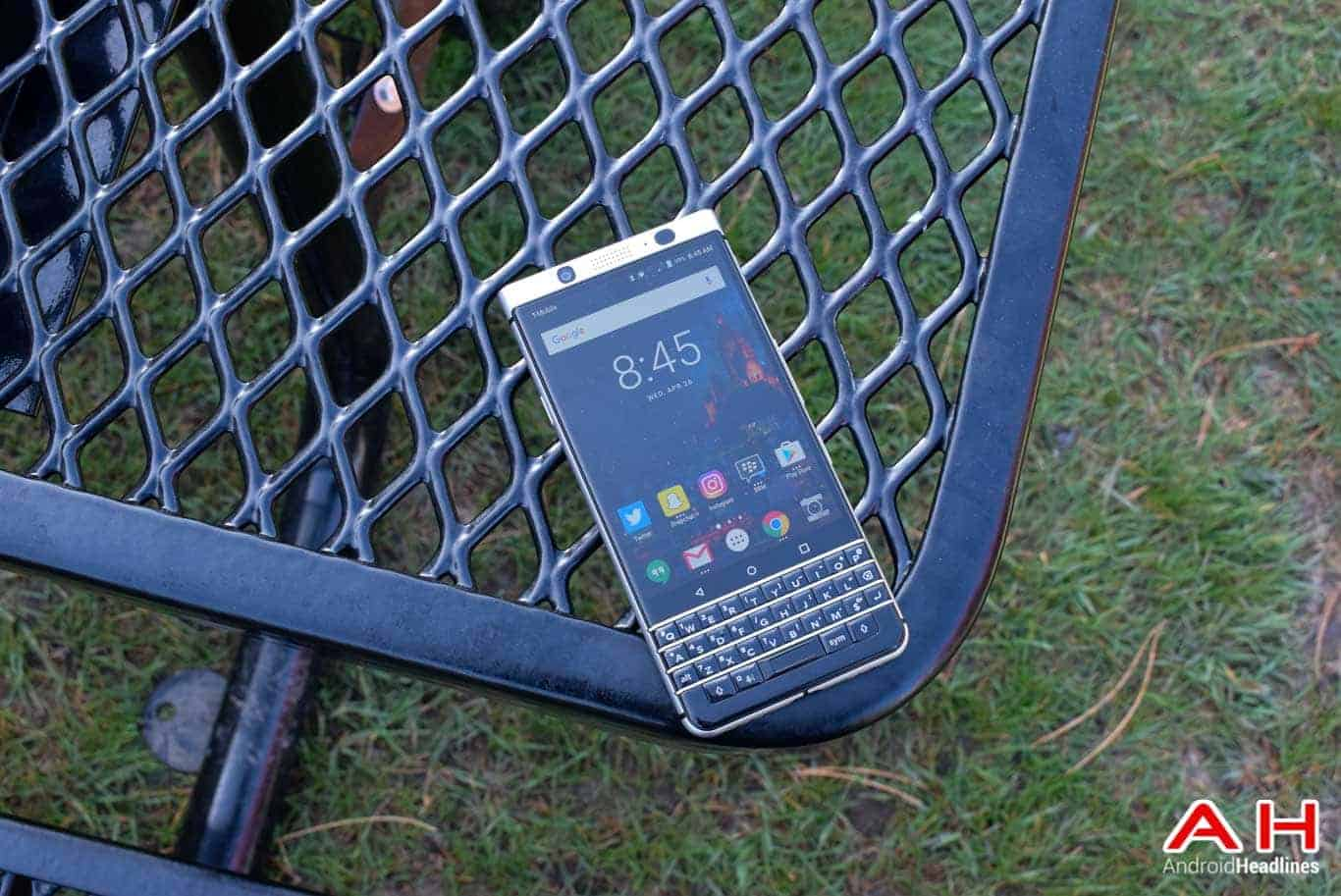 BlackBerry KEYone Review AM AH 17