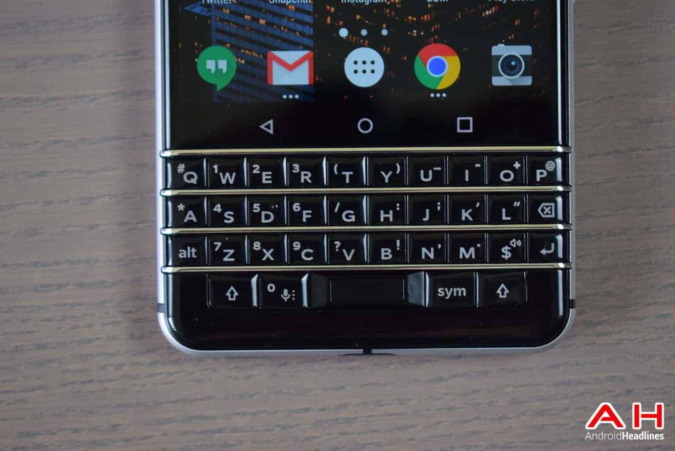 BlackBerry KEYone Review AM AH 3