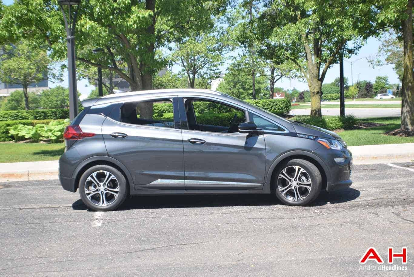 2017 chevrolet bolt ev review android auto goes electric. Black Bedroom Furniture Sets. Home Design Ideas