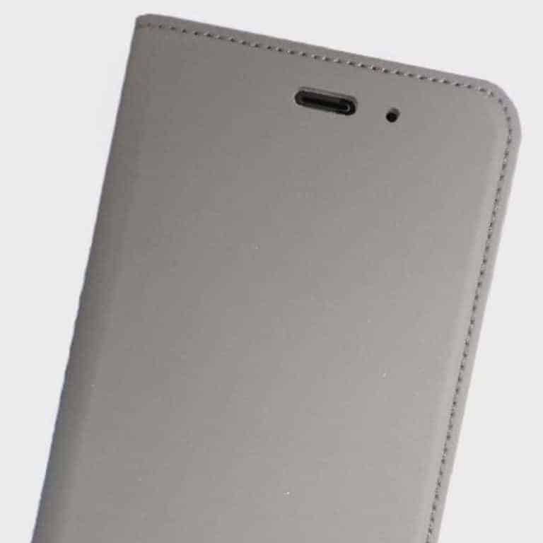 HTC U11 Official Genuine Leather Flipcase 2