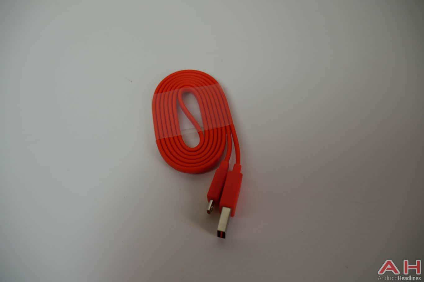 JBL Flip 4 Bluetooth Speaker AH 3
