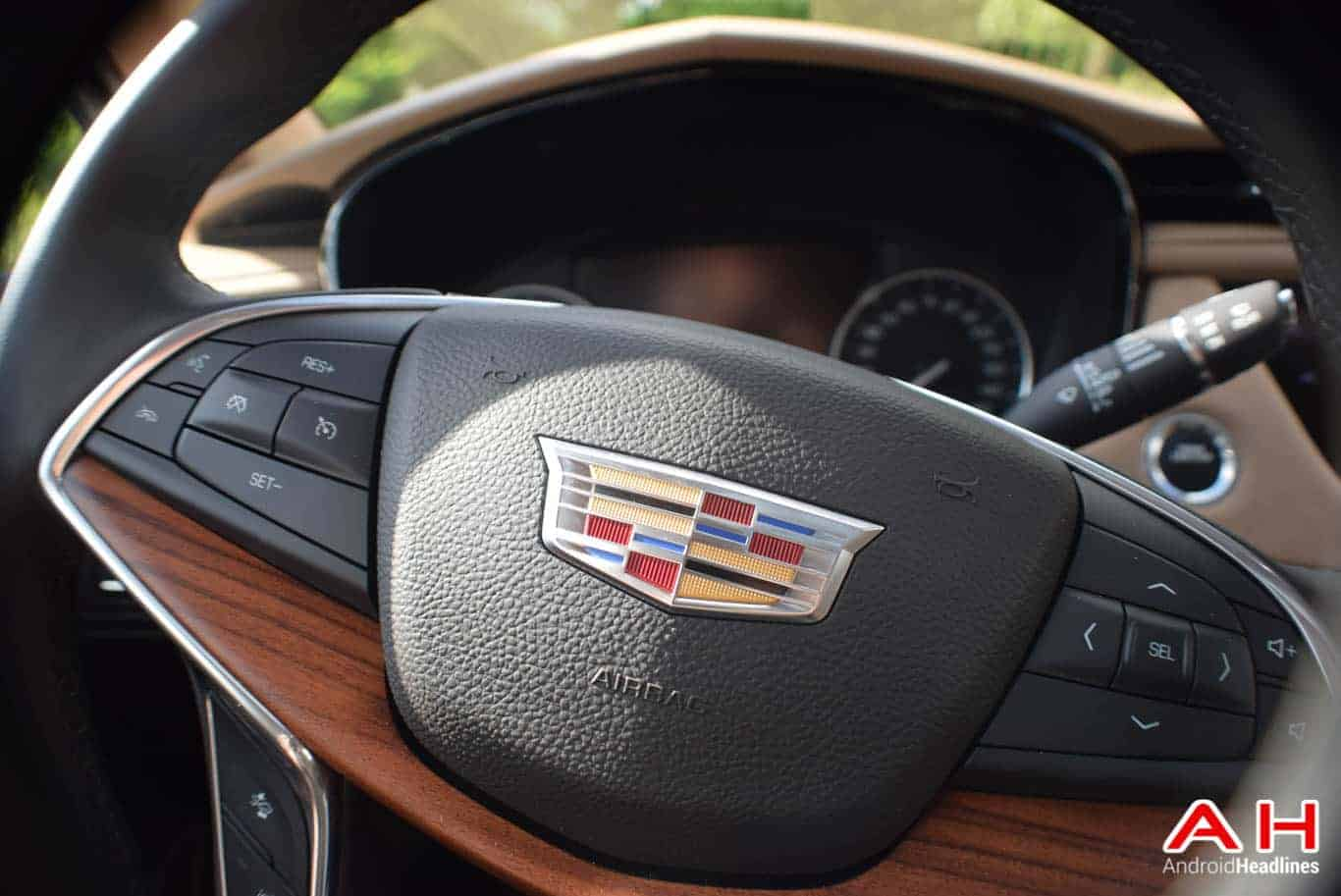 2017 Cadillac XT5 Android Auto Review AM AH 19