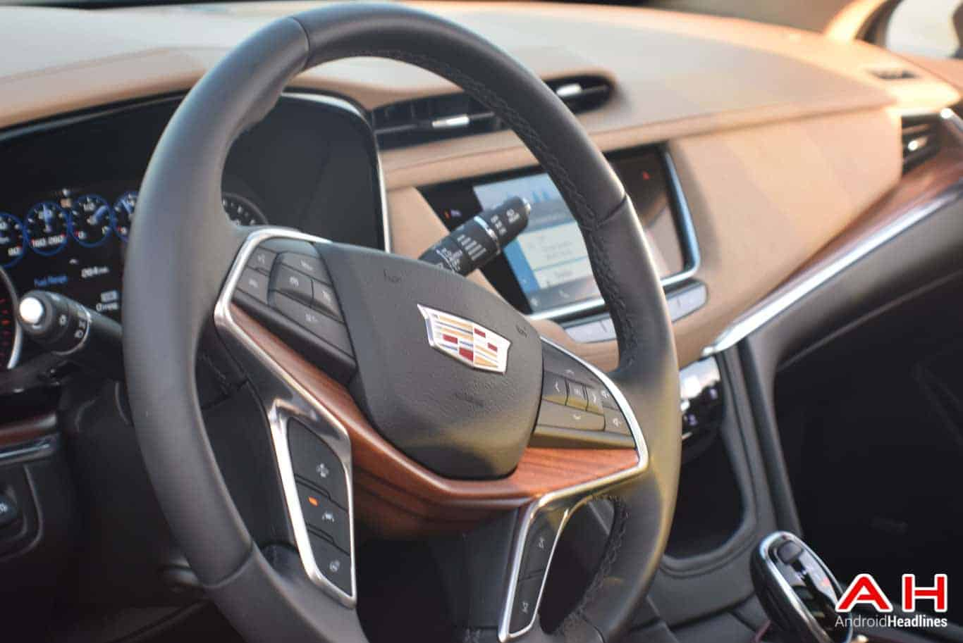 2017 Cadillac XT5 Android Auto Review AM AH 70
