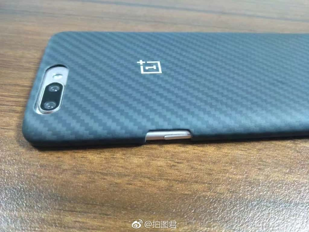 OnePlus 5 Kevlar case and OPPO R11 pre launch 2