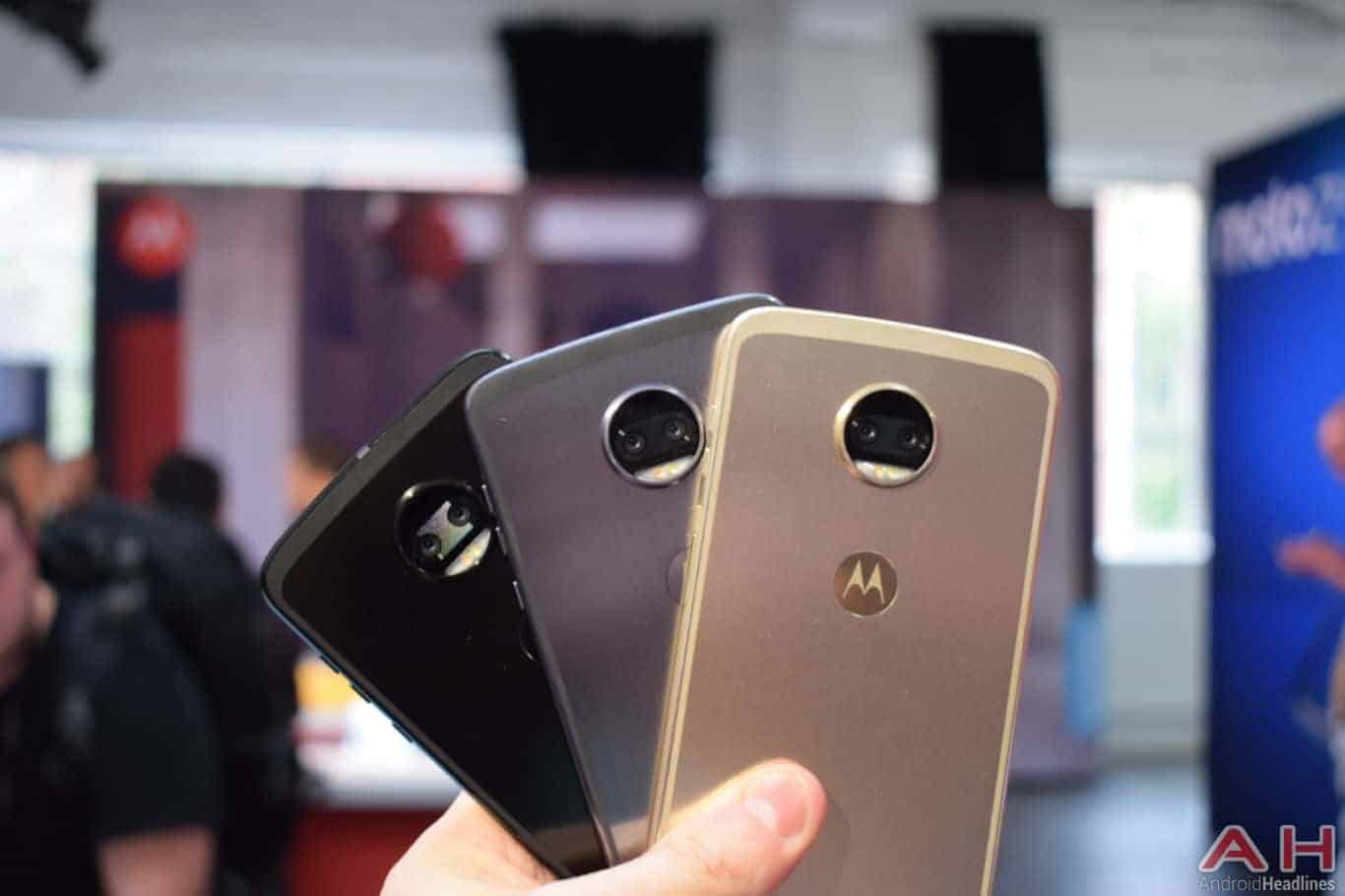 Motorola Z2 Force Hands On AH 22