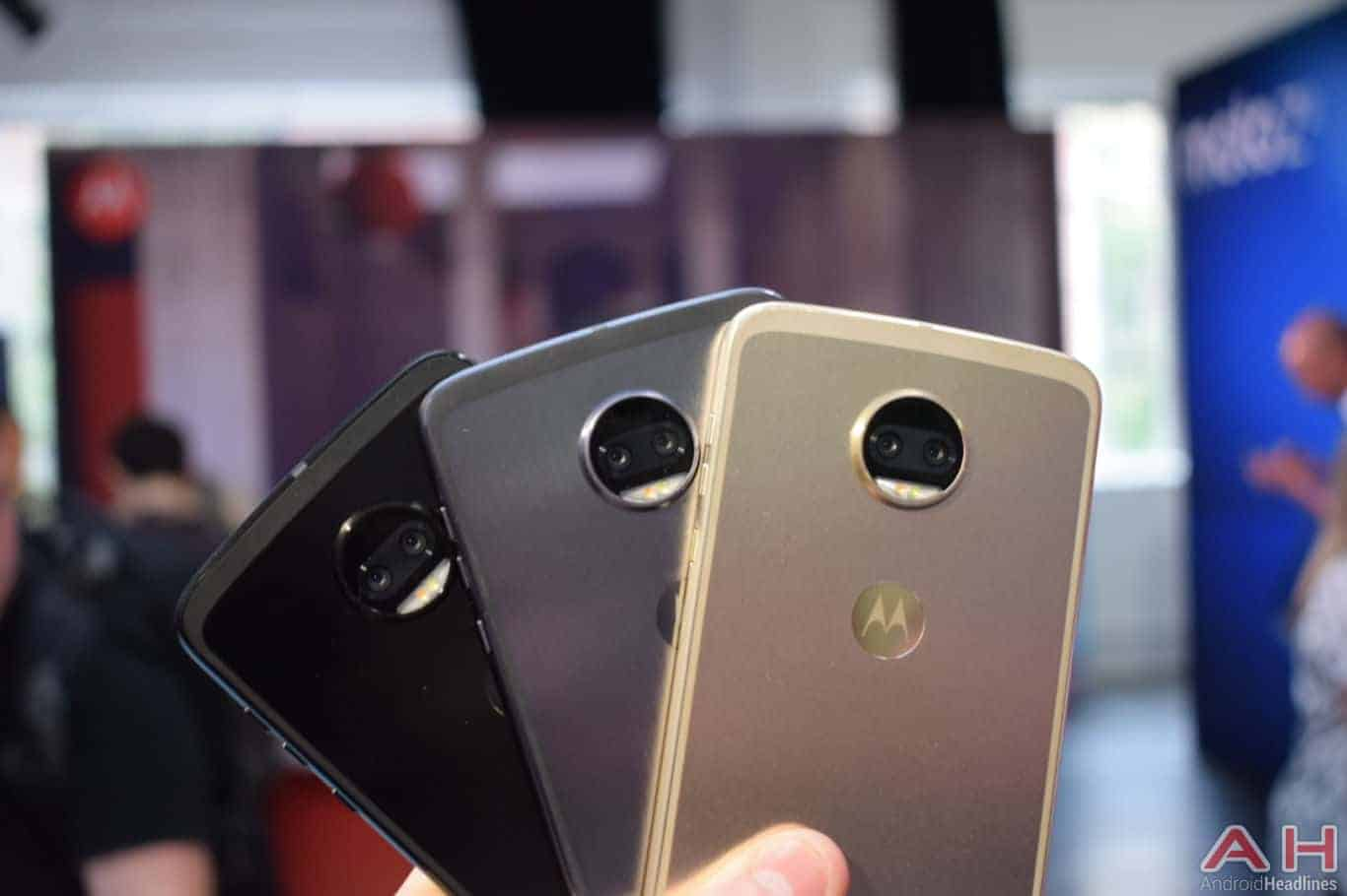 Motorola Z2 Force Hands On AH 23