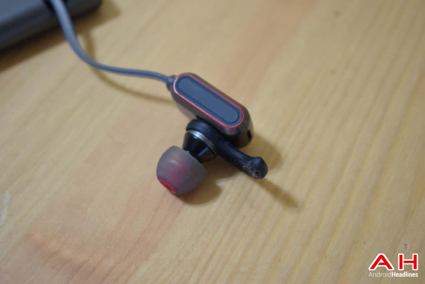 BRAVEN Flye Sport Reflect Headphones AM AH 1