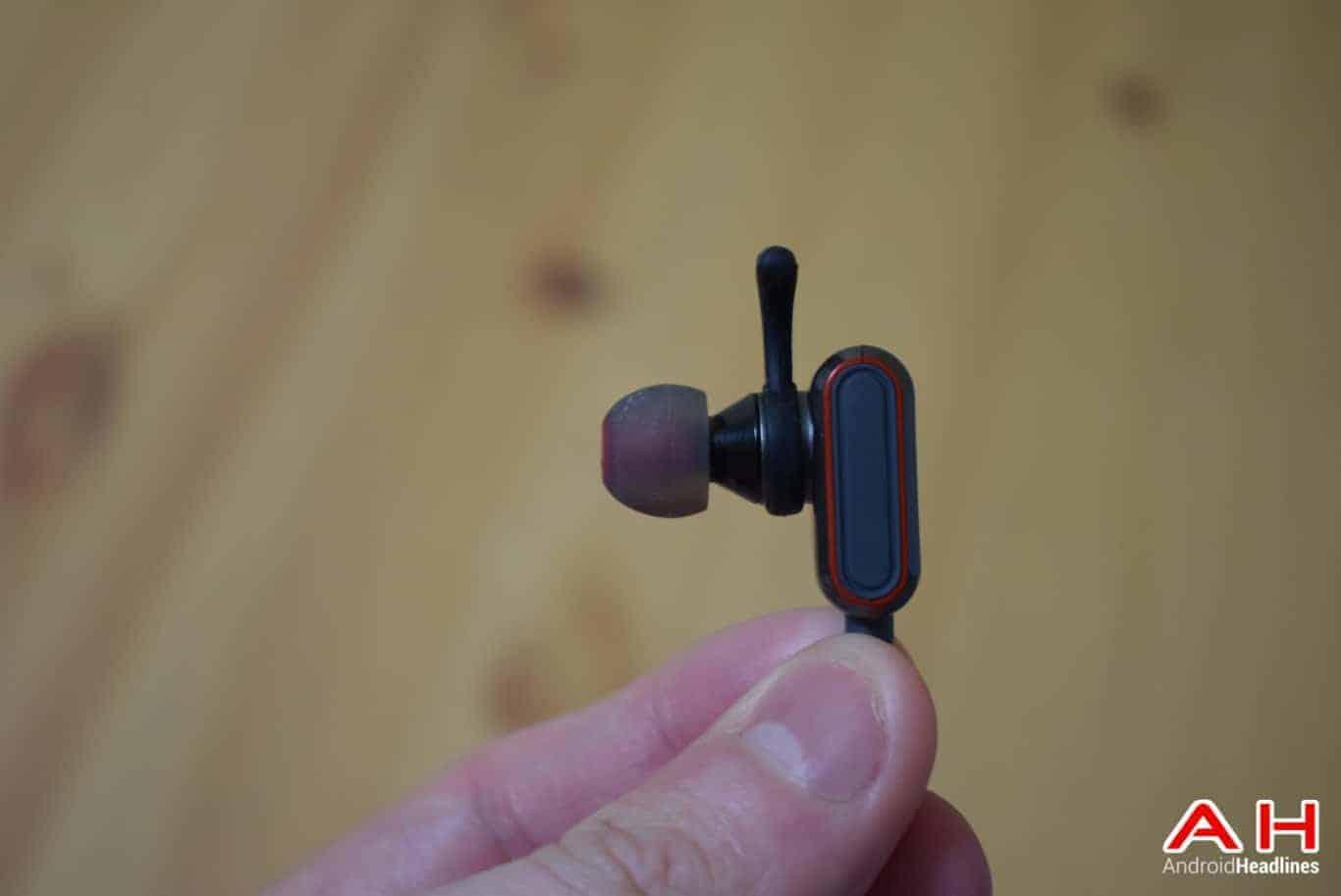 BRAVEN Flye Sport Reflect Headphones AM AH 4