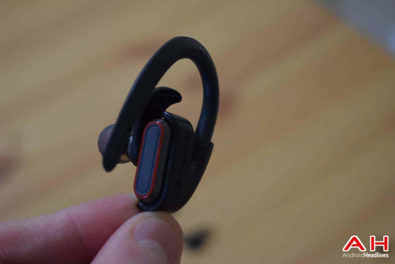 BRAVEN Flye Sport Reflect Headphones AM AH 8