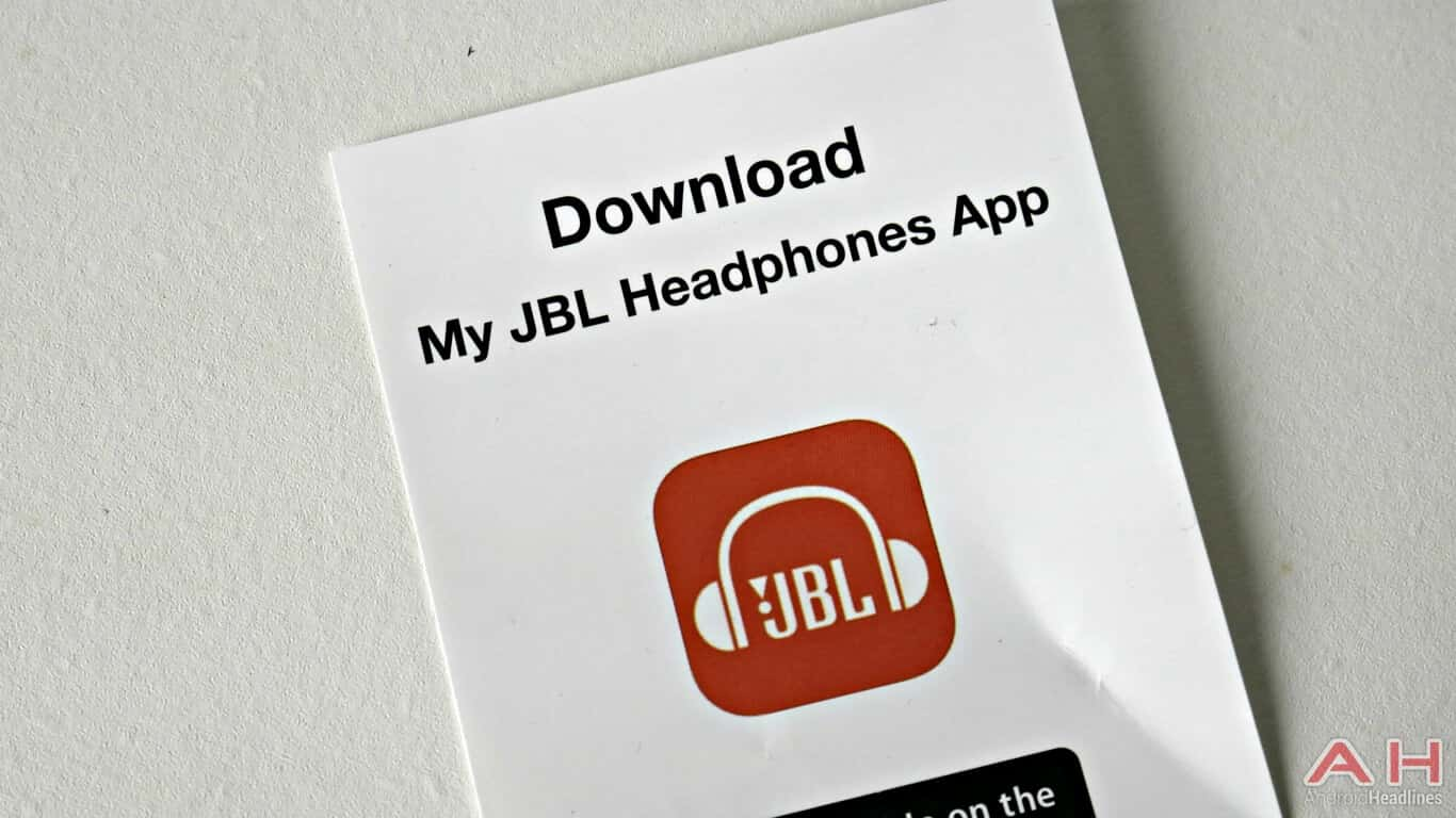 JBL Elite 750 In the box 03 AH