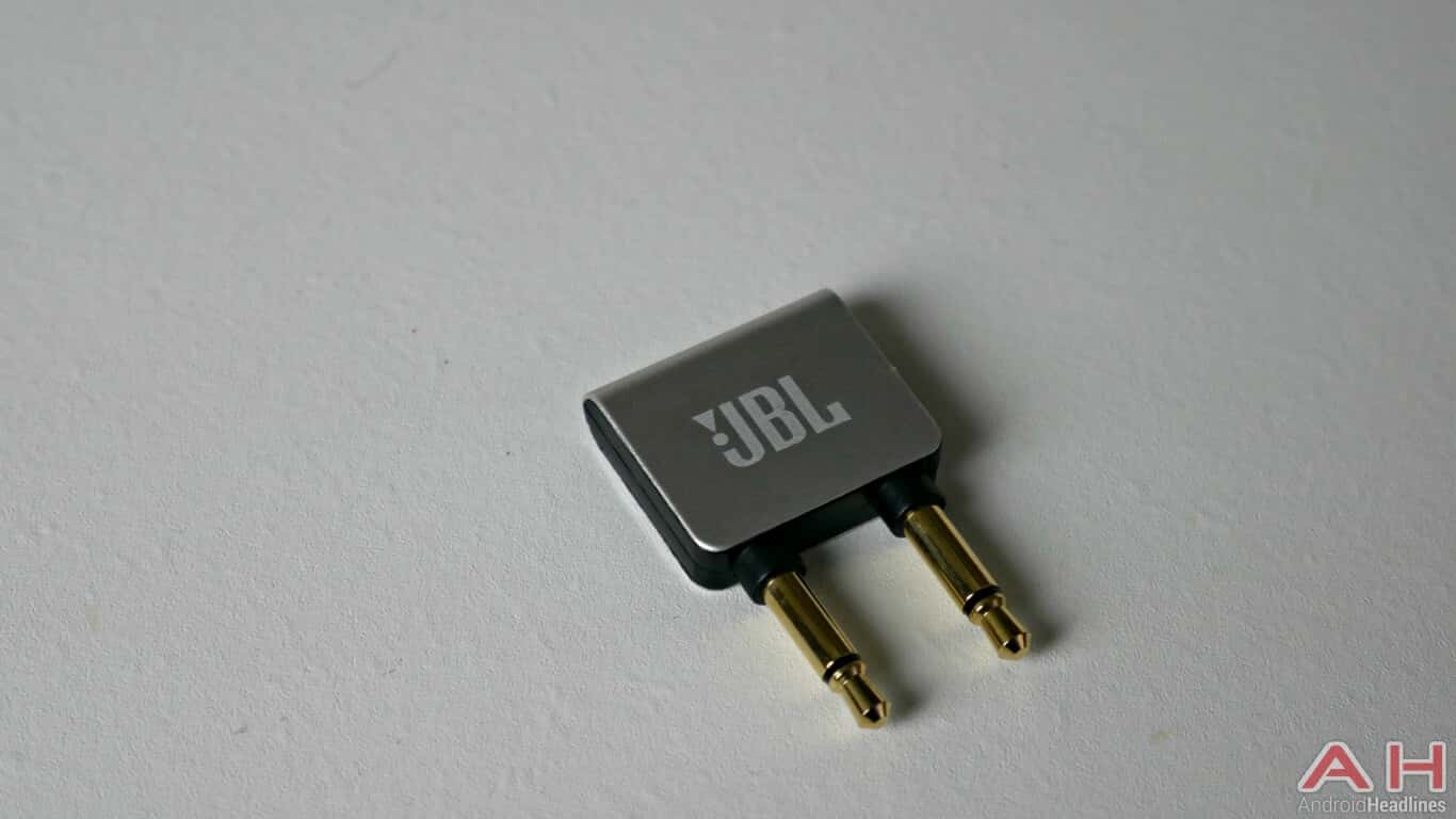 JBL Elite 750 In the box 07 AH