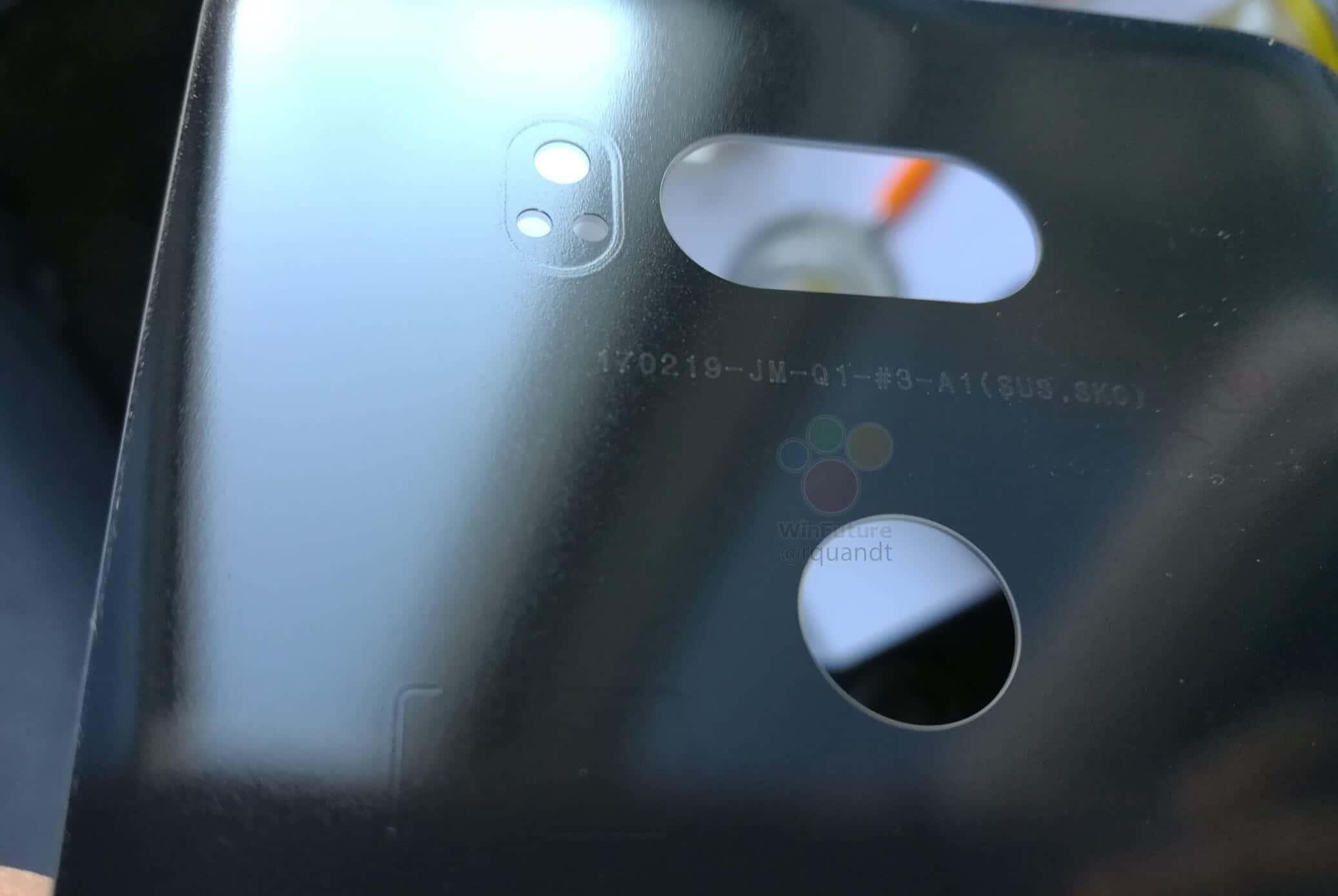 LG V30 Rear Cover Roland Quandt 4