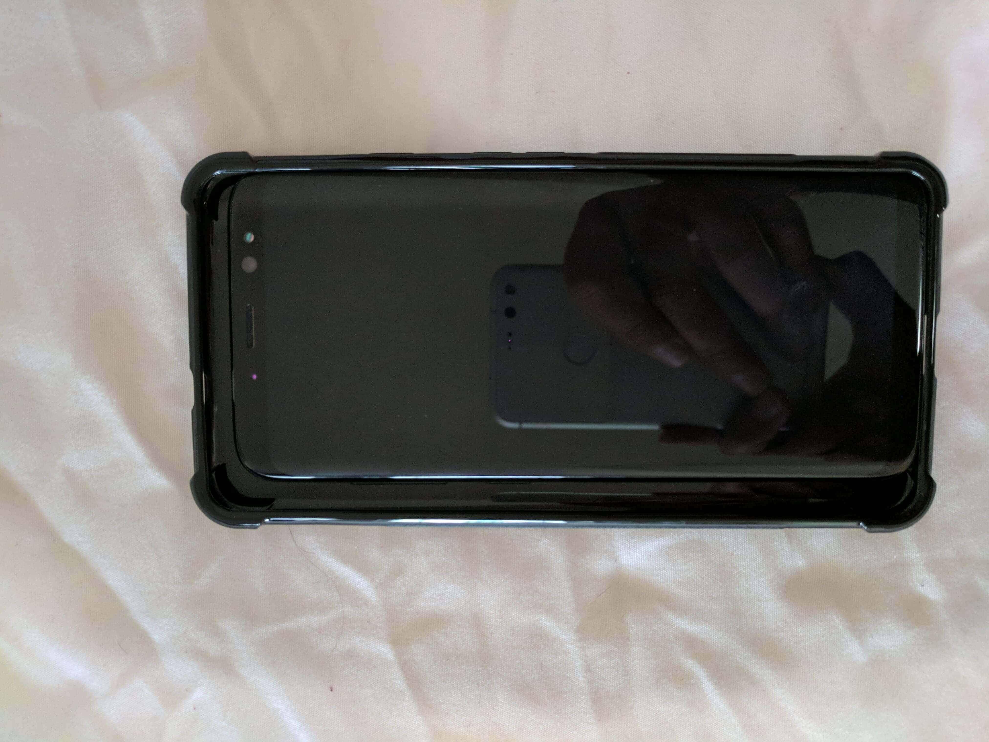 Pixel XL 2 Case Size Comparison Imgur Leak 2