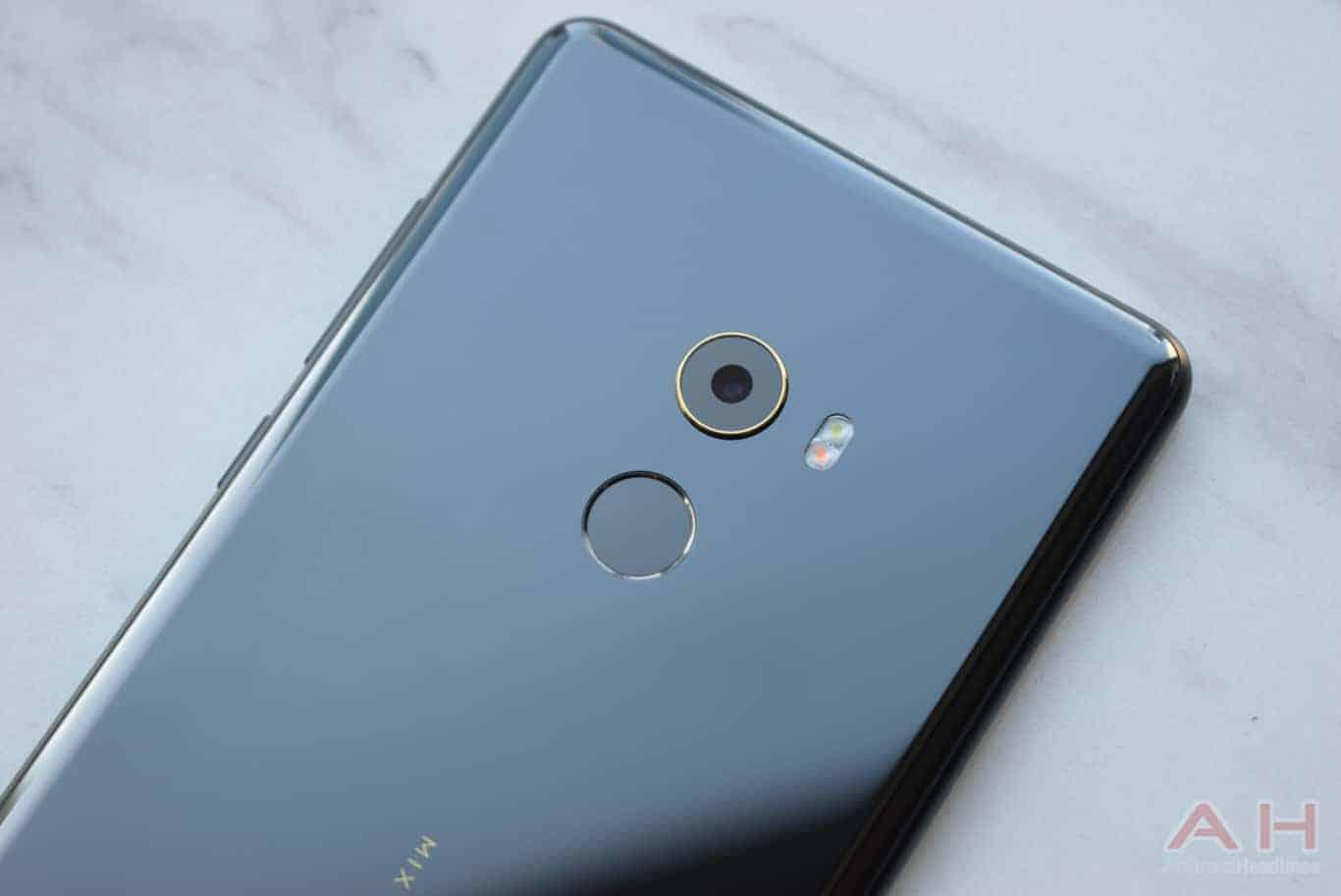 Xiaomi Mi MIX 2 Hands On AM AH 22