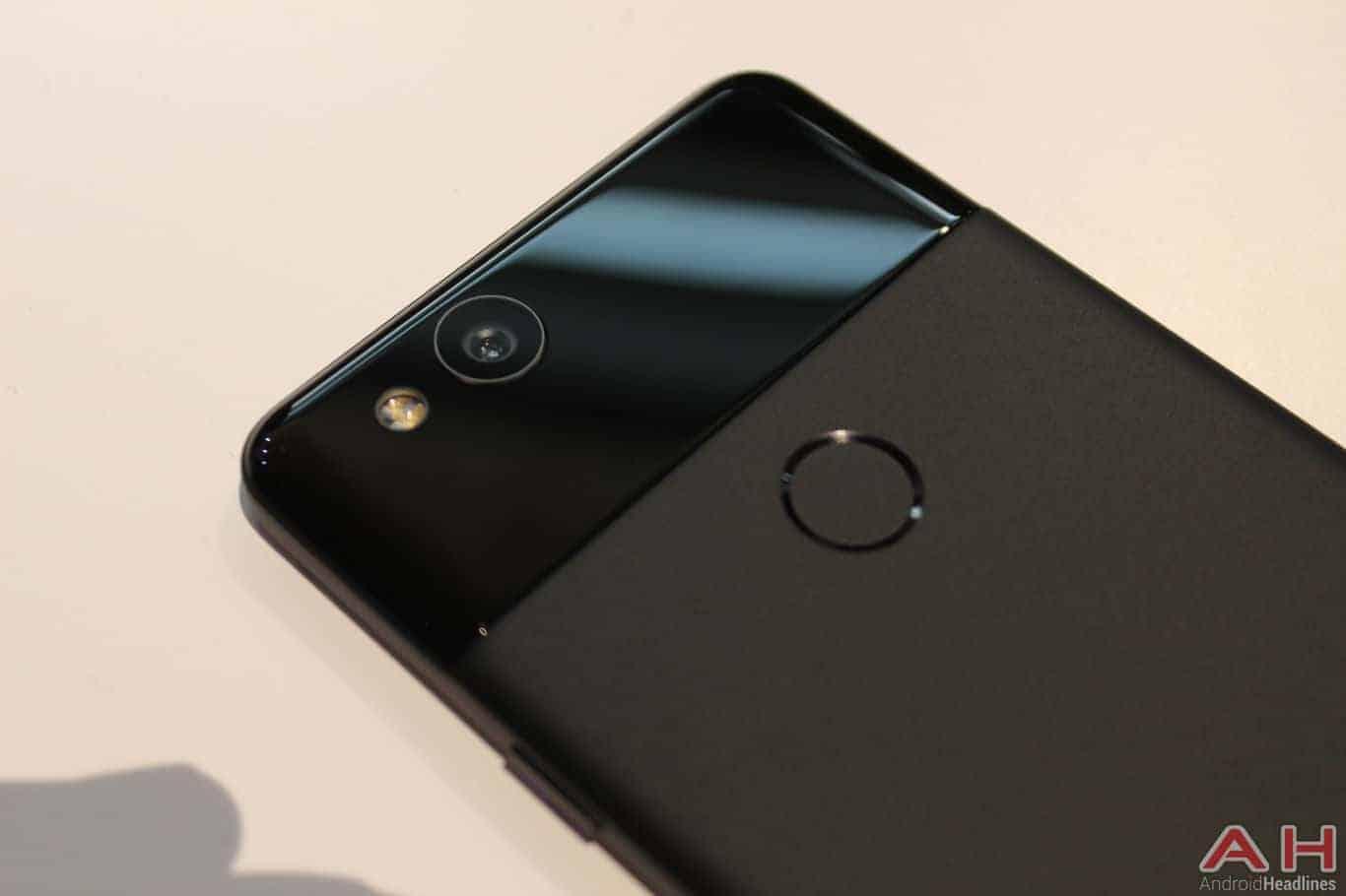 Google Pixel 2 Hands On AH 4