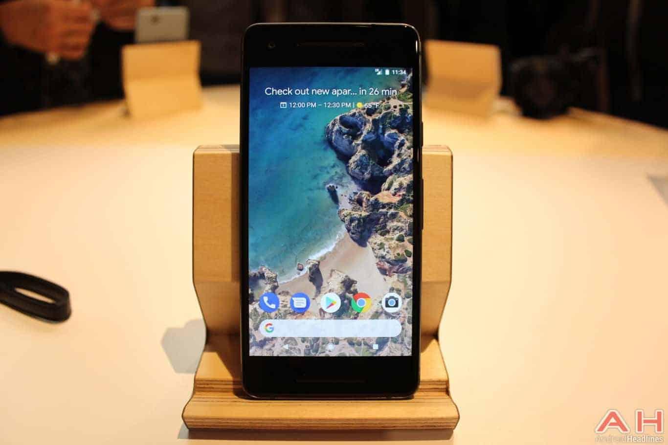 Google Pixel 2 Hands On AH 5