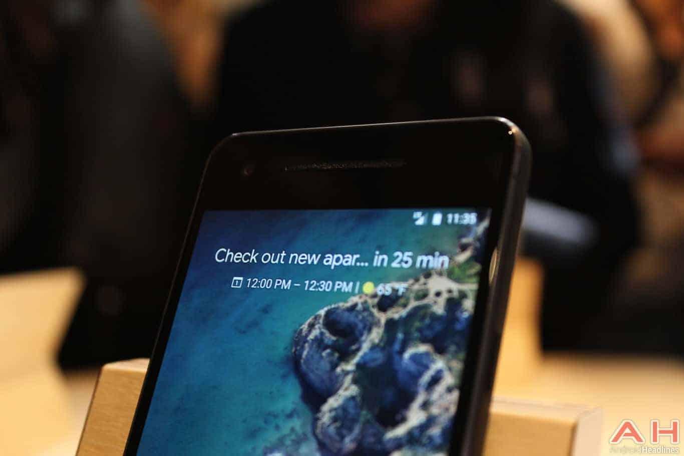 Google Pixel 2 Hands On AH 6