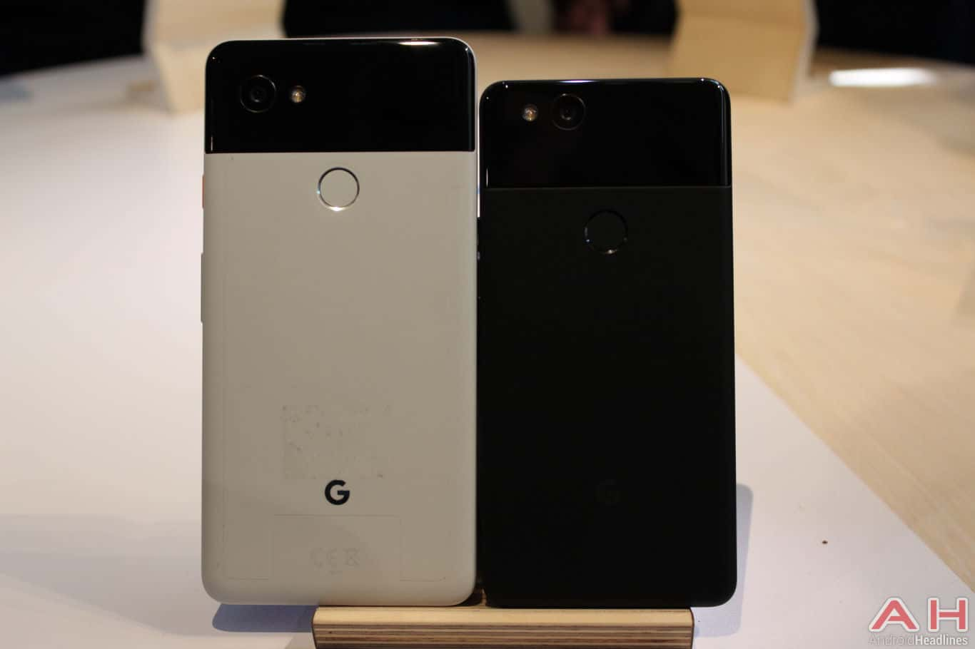 Google Pixel 2 XL Hands On AH 2 1