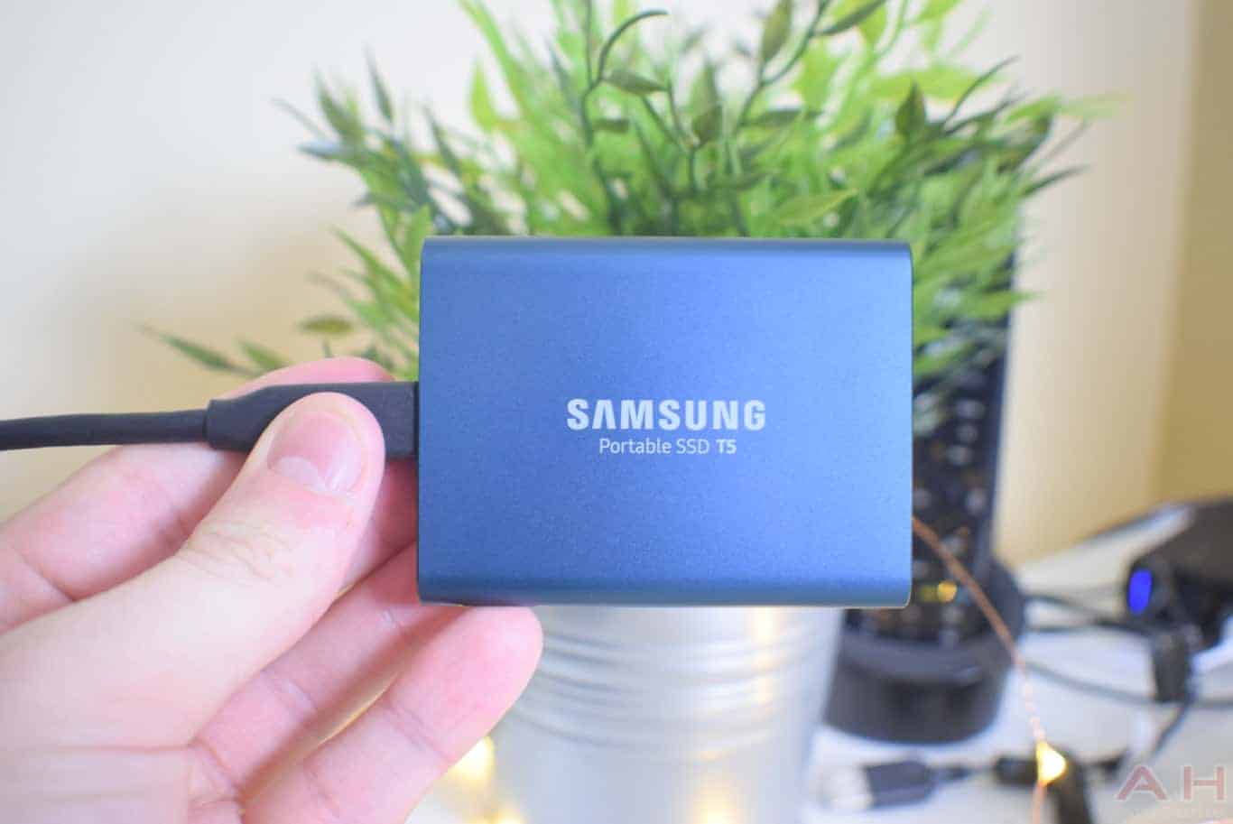 Samsung T5 SSD Review AM AH 0040