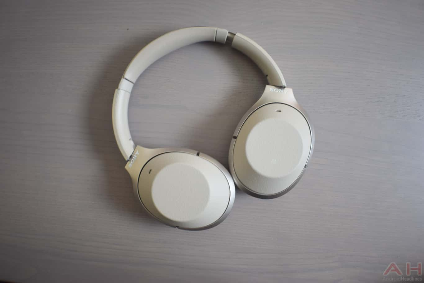 Sony WH 1000X M2 Review AM AH 0147