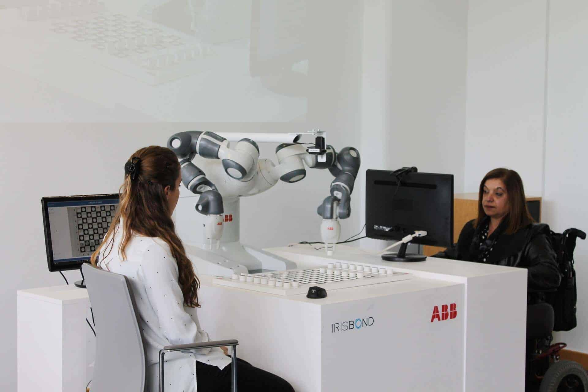 Irisbond Abb Yummi Robot eyetracking