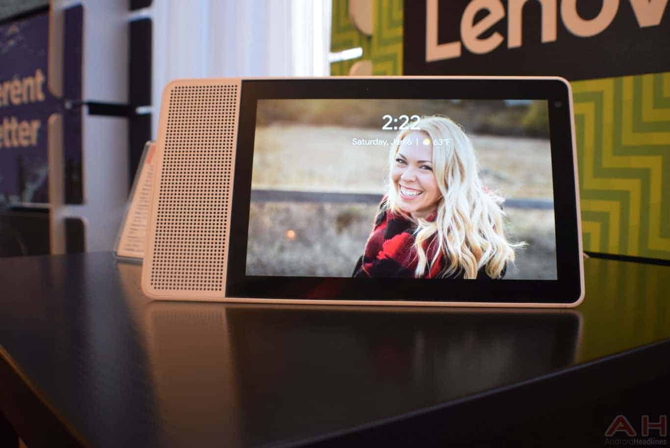 Lenovo Smart Display CES 2018 AM AH 0054
