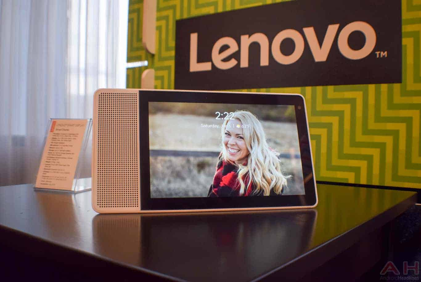 Lenovo Smart Display CES 2018 AM AH 0055