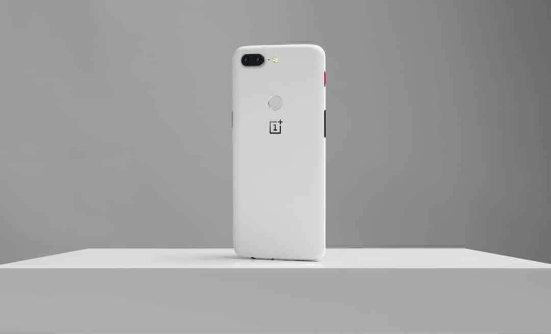 OnePlus 5T Sandstone White Official 1 of 23