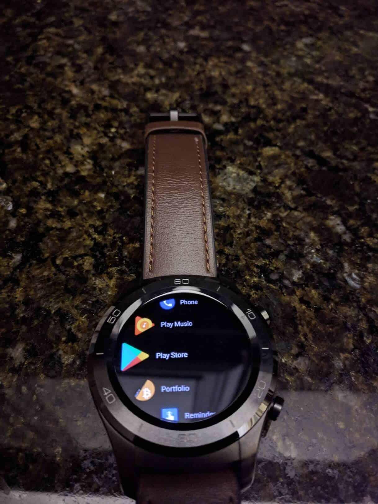 Yozakgg Reddit uploaded purported image of Android Wear 28 dark theme 03