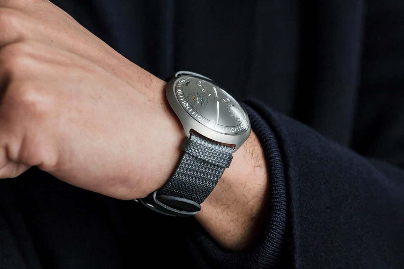 ressence Type 2 e Crown Concept smartwatch concept image 02
