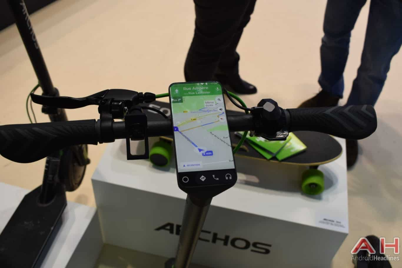 AH ARCHOS Citee Connect scooter MWC 2018 hands on 8