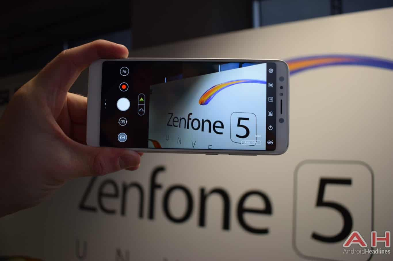 AH ASUS ZenFone 5Q hands on MWC 2018 10