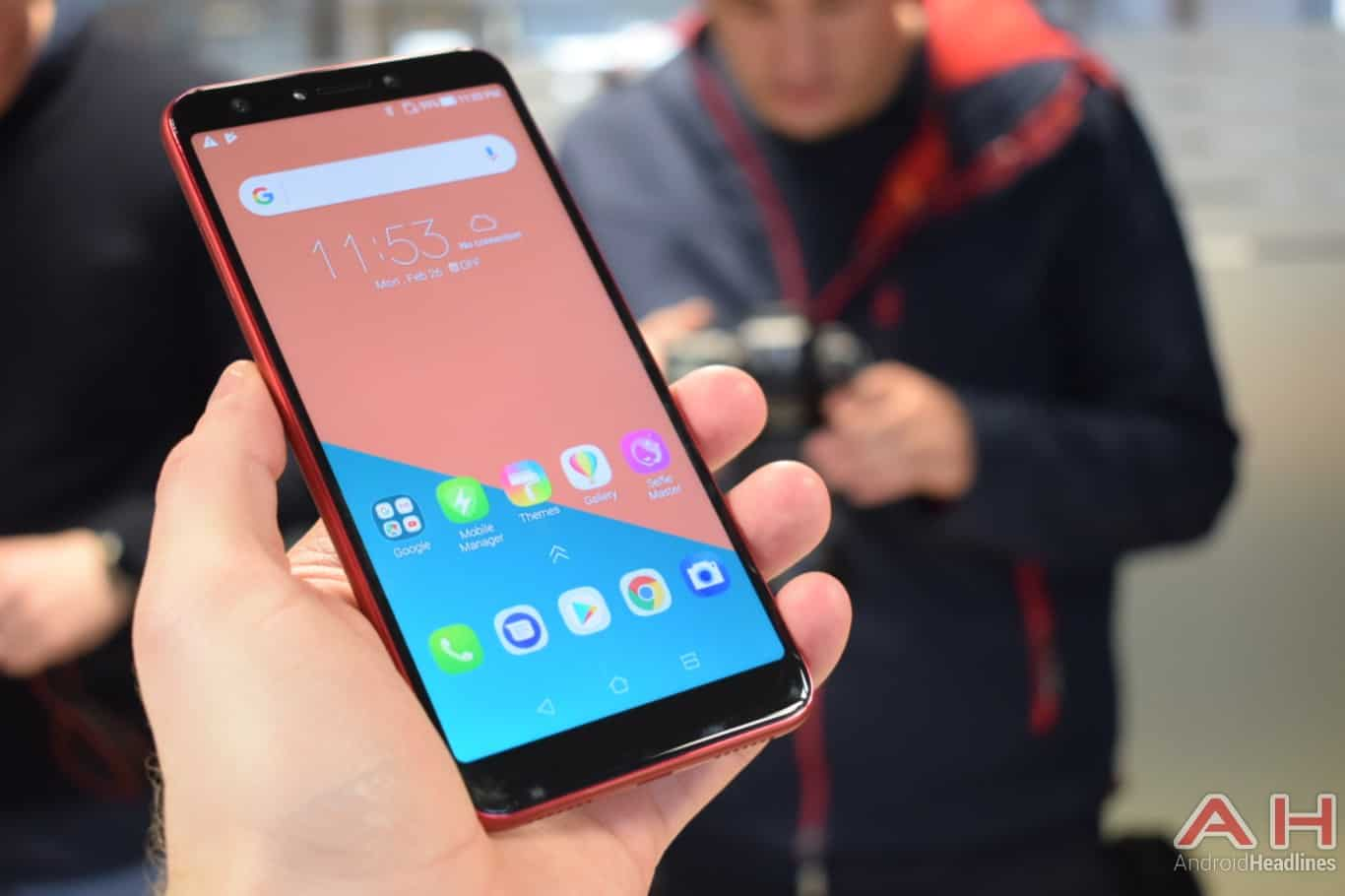 AH ASUS ZenFone 5Q hands on MWC 2018 16