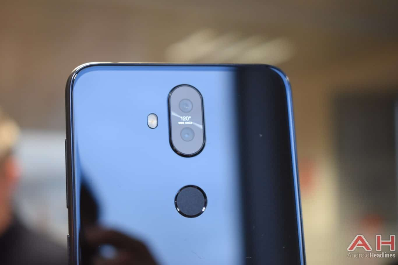AH ASUS ZenFone 5Q hands on MWC 2018 21