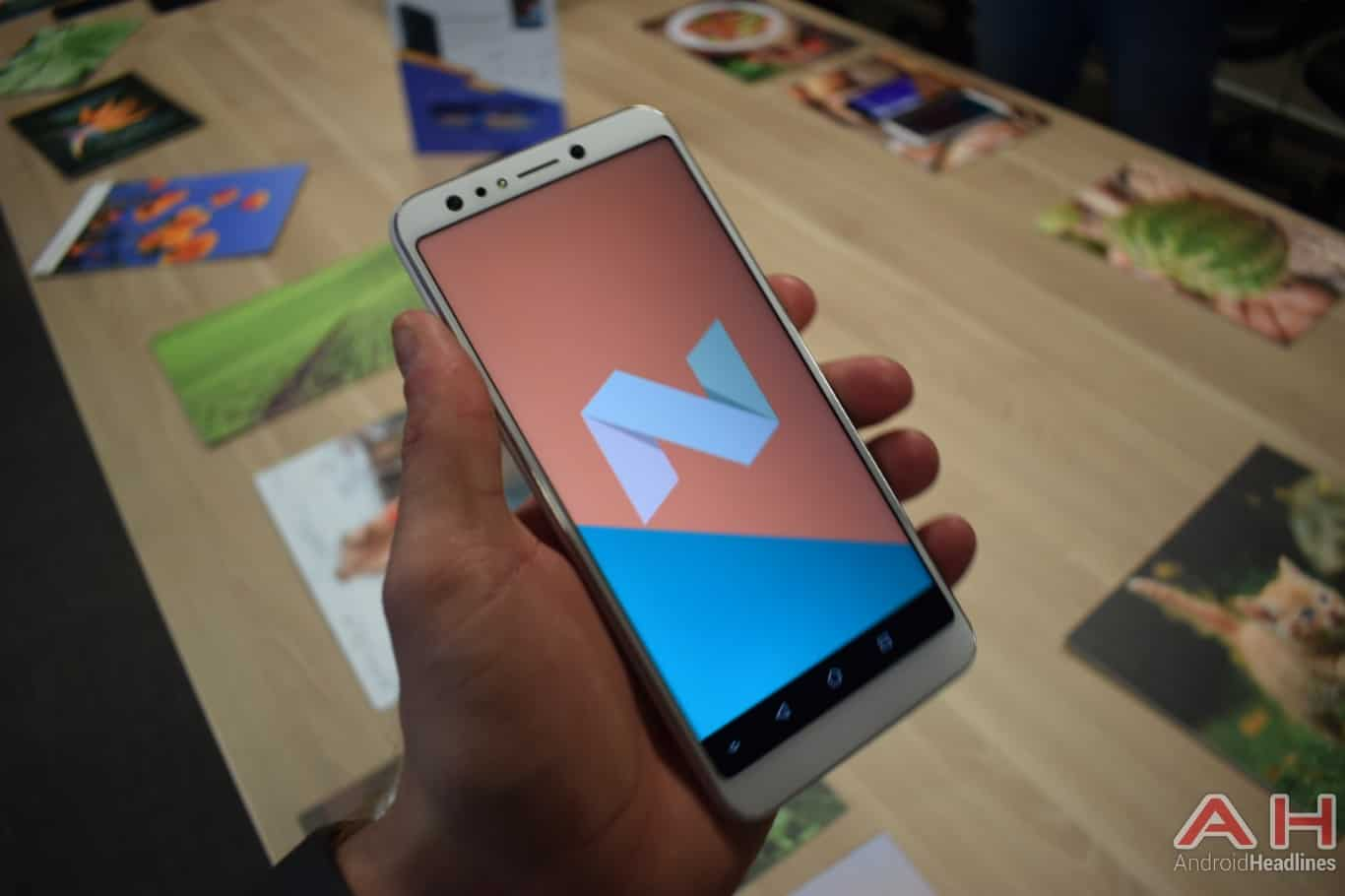 AH ASUS ZenFone 5Q hands on MWC 2018 6