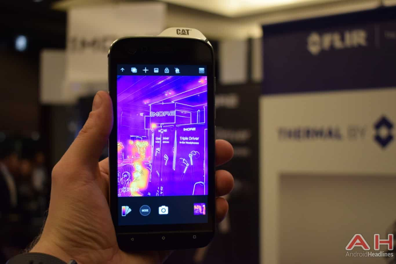 AH CAT S61 MWC 2018 hands on 9