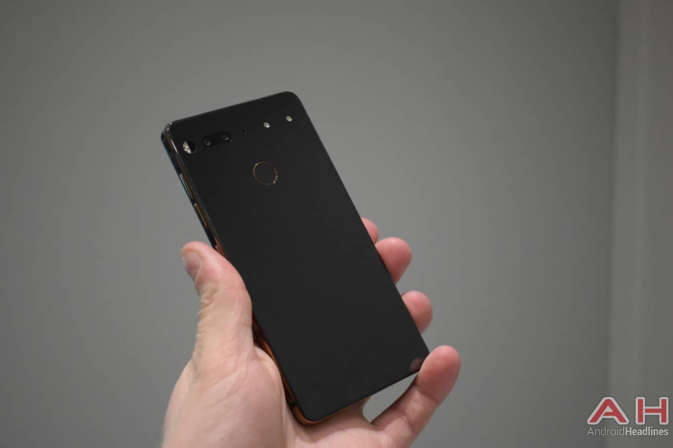 AH Essential PH 1 hands on MWC 2018 7