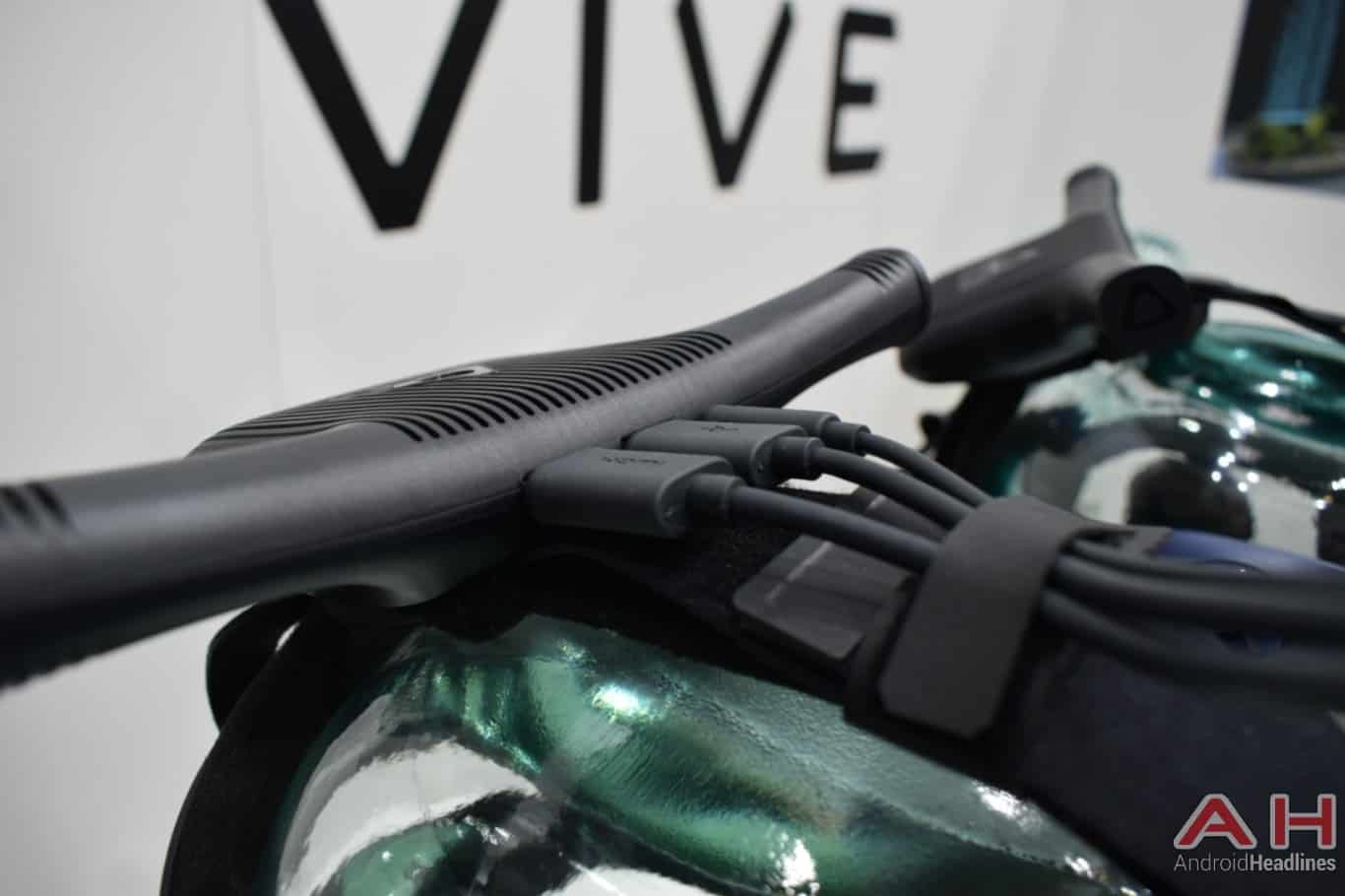 AH HTC Vive Wireless Adapter MWC 2018 hands on 3