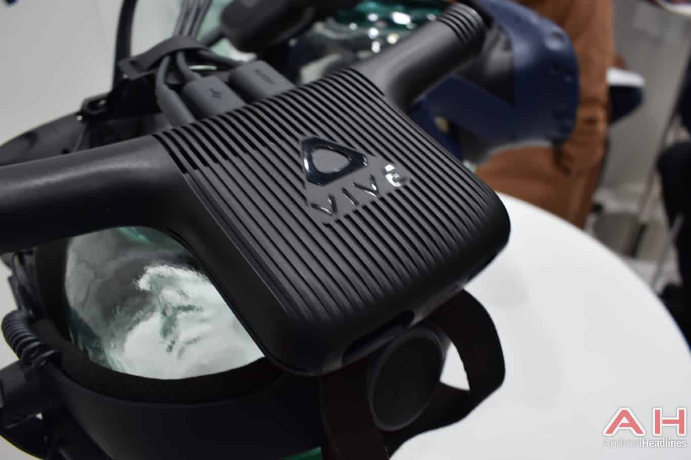 AH HTC Vive Wireless Adapter MWC 2018 hands on 4