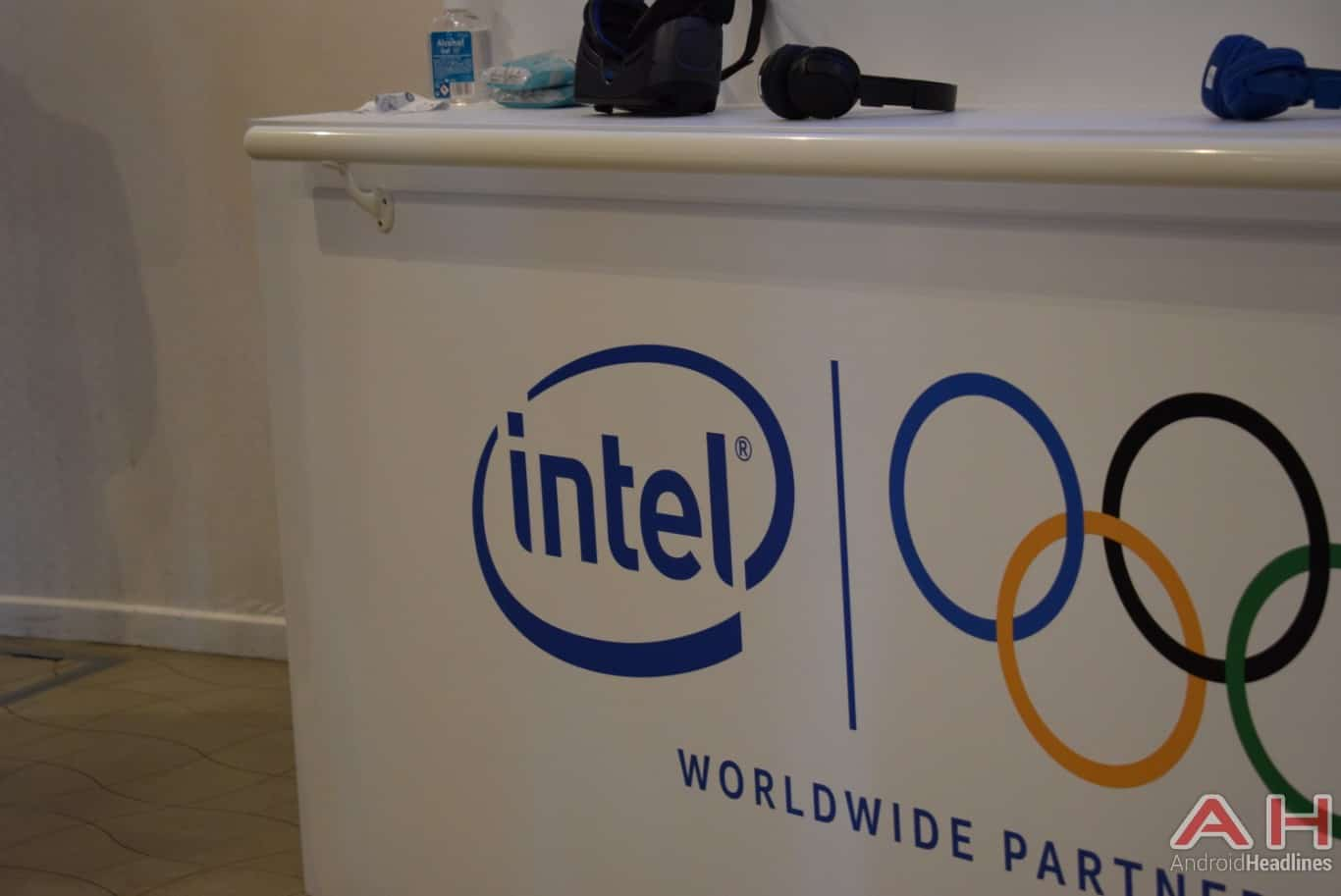 AH Intel Olympic partner MWC logo 1
