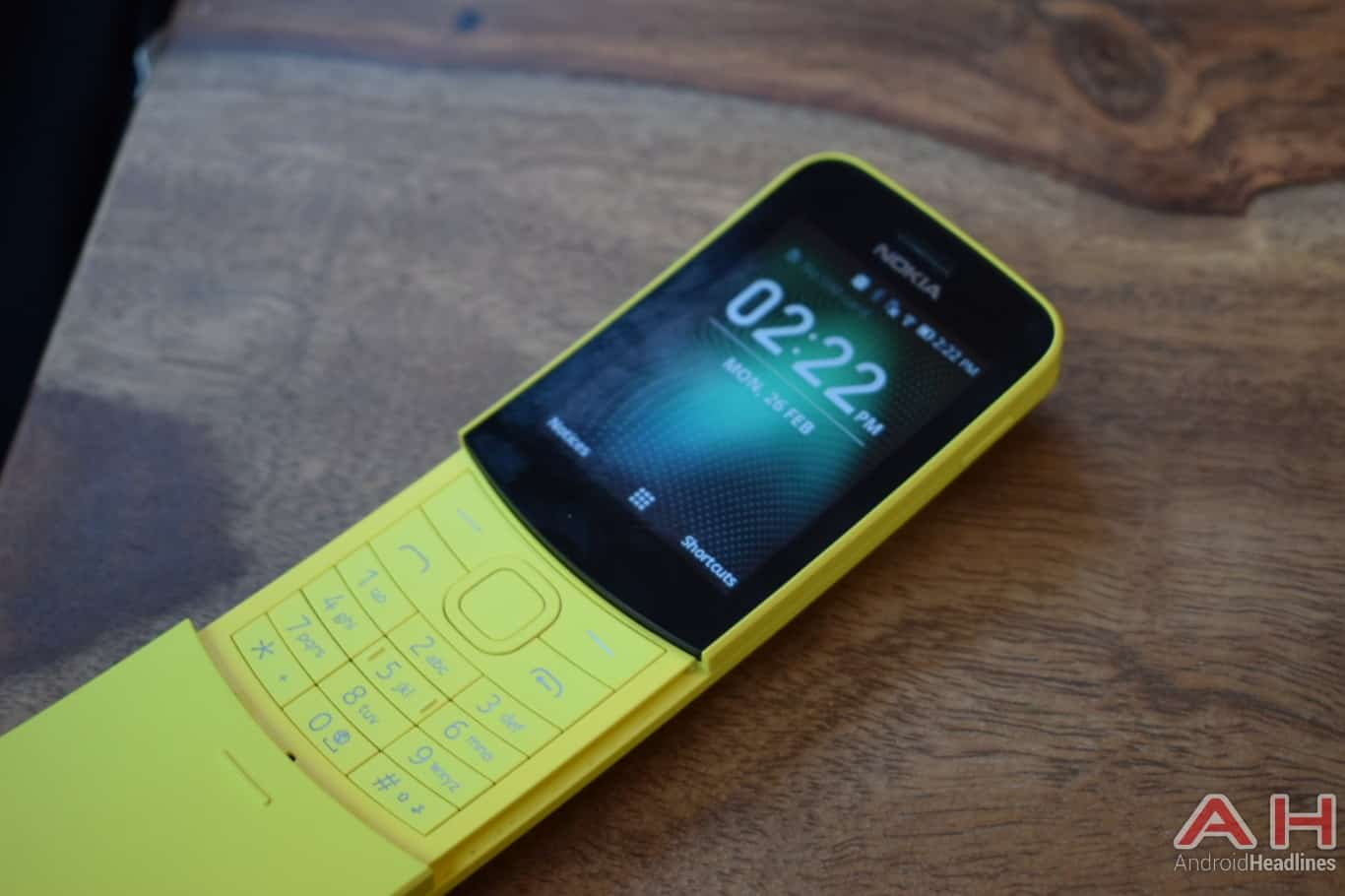 AH Nokia 8110 4G hands on MWC 2018 1