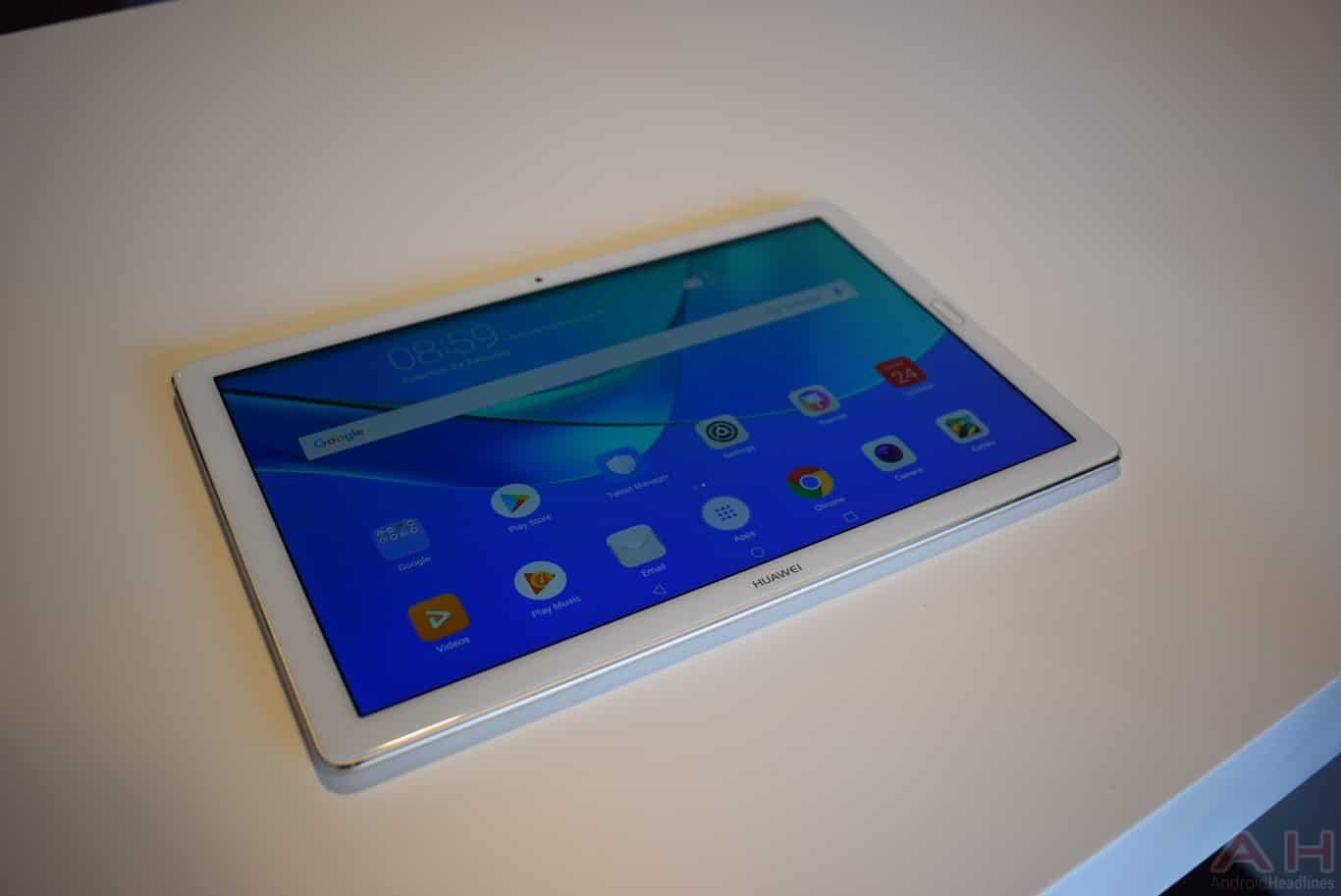 Hands-On With Huawei MediaPad M5 Android Tablets – MWC 2018