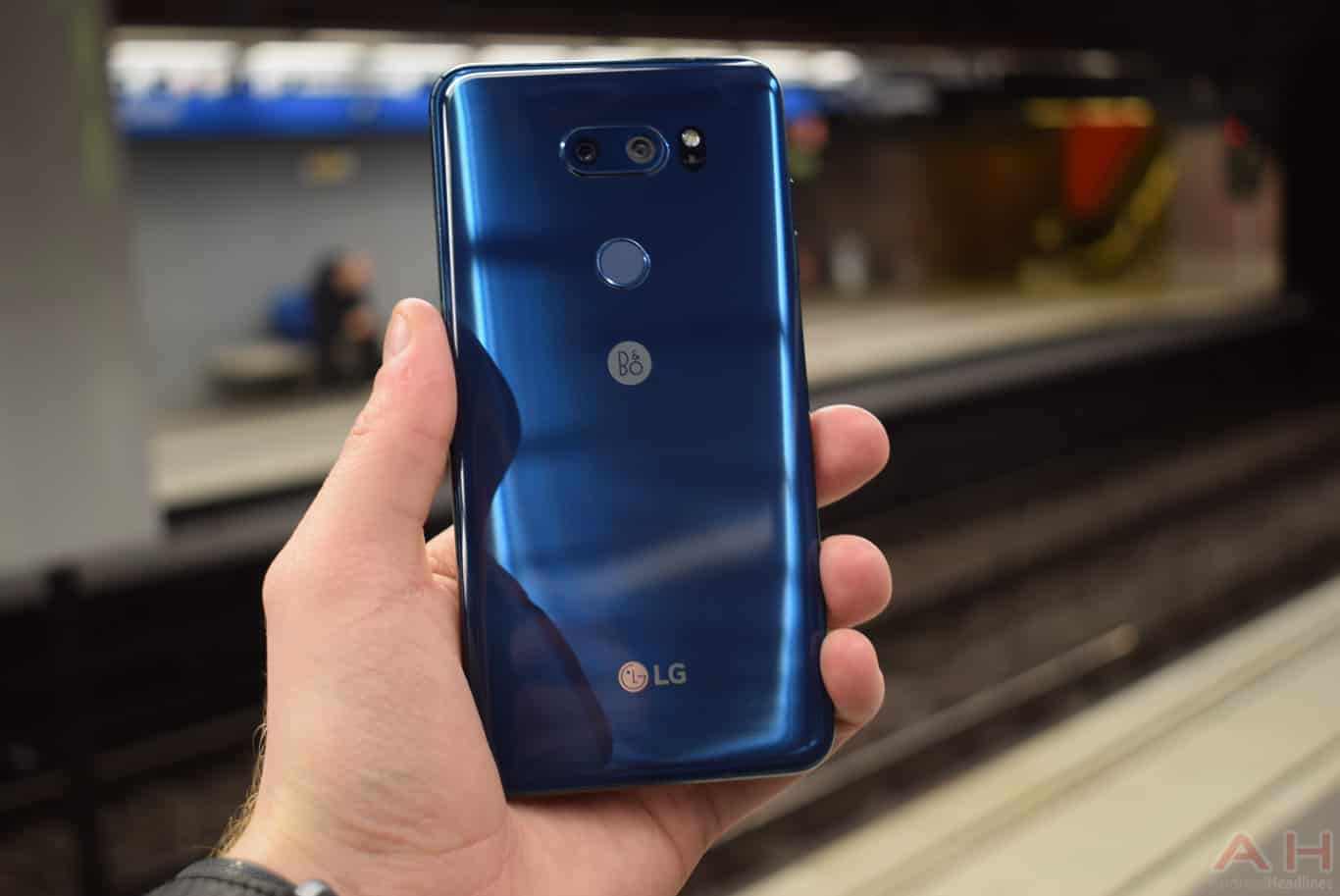 LG V30S ThinQ With New Integrated AI Debuts at MEC 2018