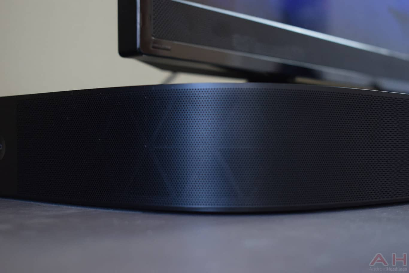 Sonos PLAYBASE Review 2 AM AH 6