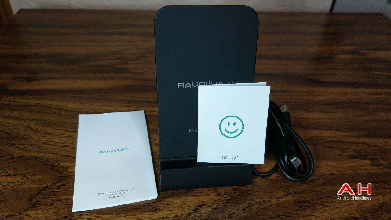 RAVPower Wireless Fast Charging Stand (RP-PC068) Review