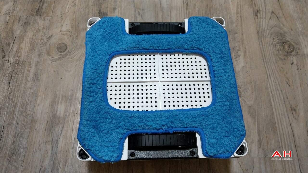 Hobot 268 Window Cleaning Robot Review Hardware 08 AH