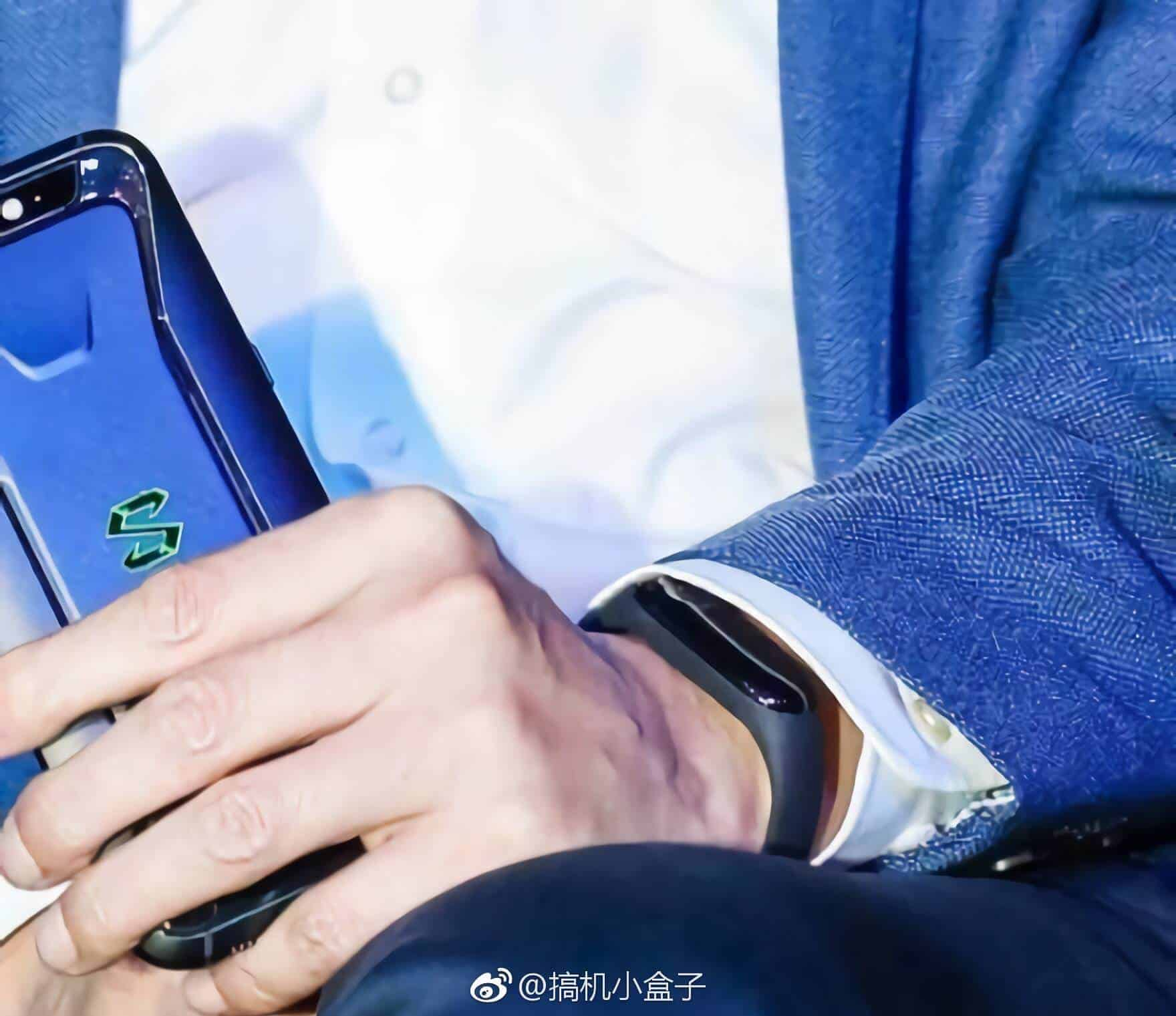 Lei Jun Wearing Suspected Mi Band 3 02 from MyDrivers