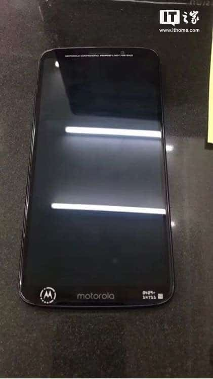 Moto Z3 Play real life leak 3